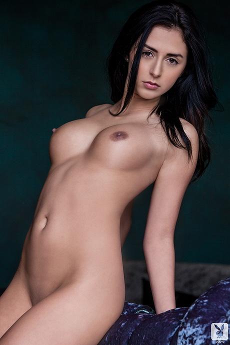 nikole-naked