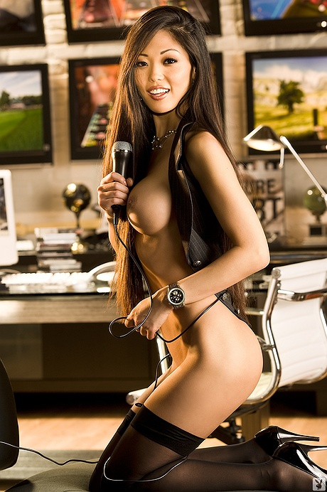 Grace Kim undressed