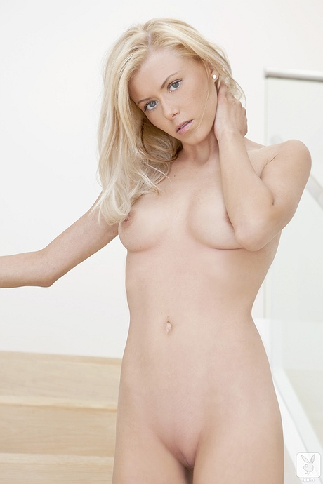 Jennifer Shiloh undressed