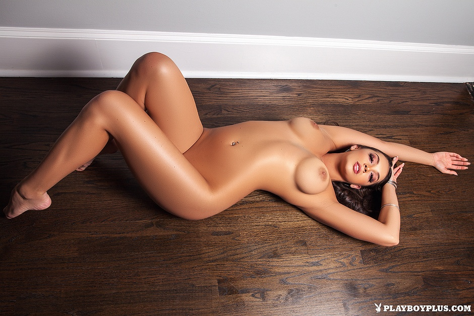 Kelsi Shay undressed