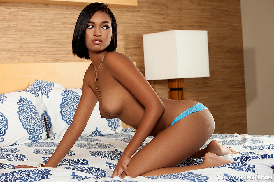 black-jeszica-monique-naked