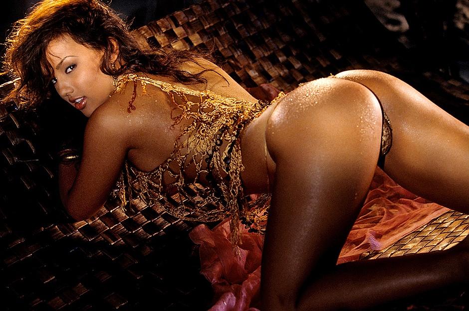naked Raquel gibson