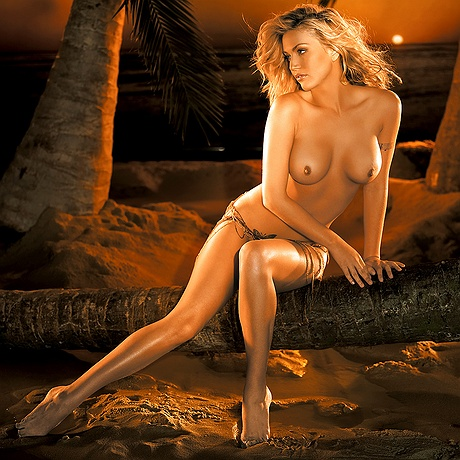 Willa Ford undressed